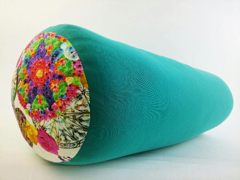 Bolster je jastuk koji pomaže u izvođenju yoga asana.