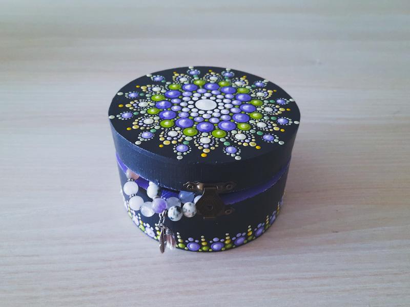 Ukrasna kutija za nakin
